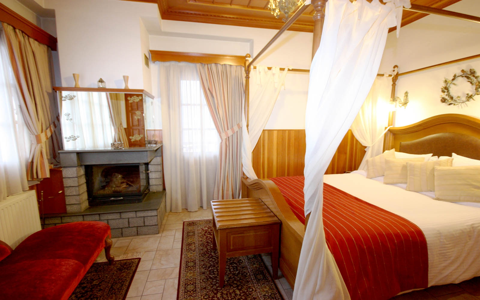 Deluxe Room with fireplace & hydromassage